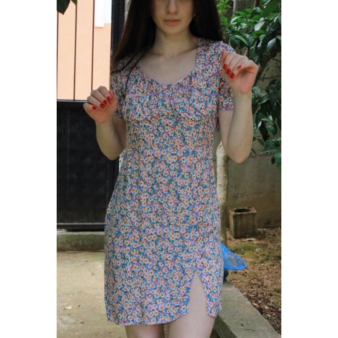Lila Zemine Papatyalı Viskon Kumaş Mini Elbise