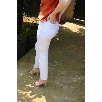 Beyaz Boy Fit Model Kesik Paça Jean